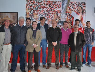 20120114205404-directiva-con-del-nido.jpg